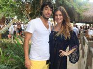 Grávida, Bruna Hamú posa com o namorado, Diego Moregola, em Trancoso. Foto!