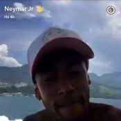 Neymar curte festa em barco com Thiaguinho e Gabriel Medina em Angra dos Reis