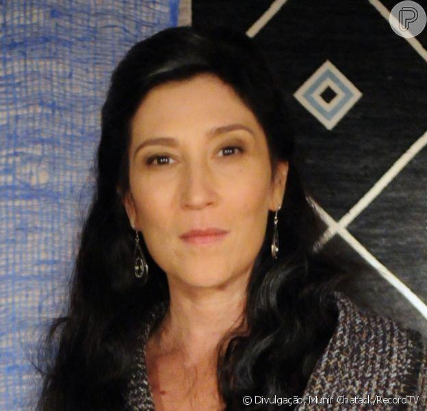 Léia (Beth Goulart) descobre que o filho, Tobias (Raphael Viana), também é culpado pela morte de Abel (Edu Porto), na novela 'A Terra Prometida'
