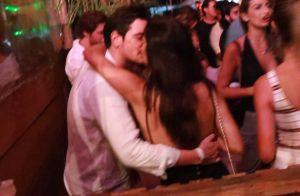Mariana Rios beija o novo namorado, Ivens Neto, em show na Bahia. Fotos!