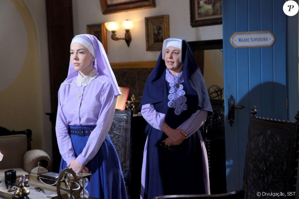 Madre Superiora (Eliana Guttman) avisa para a irmã Cecília (Bia Arantes) que, em uma semana, ela será transferida para outro colégio e a deixa triste, no capítulo de sexta-feira, dia 13 de janeiro de 2017, na novela 'Carinha de Anjo'