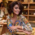 Juliana Paes precisou cortar o cabelo e foi elogiada pelo marido, Carlos Eduardo Baptista: 'Selvagem'