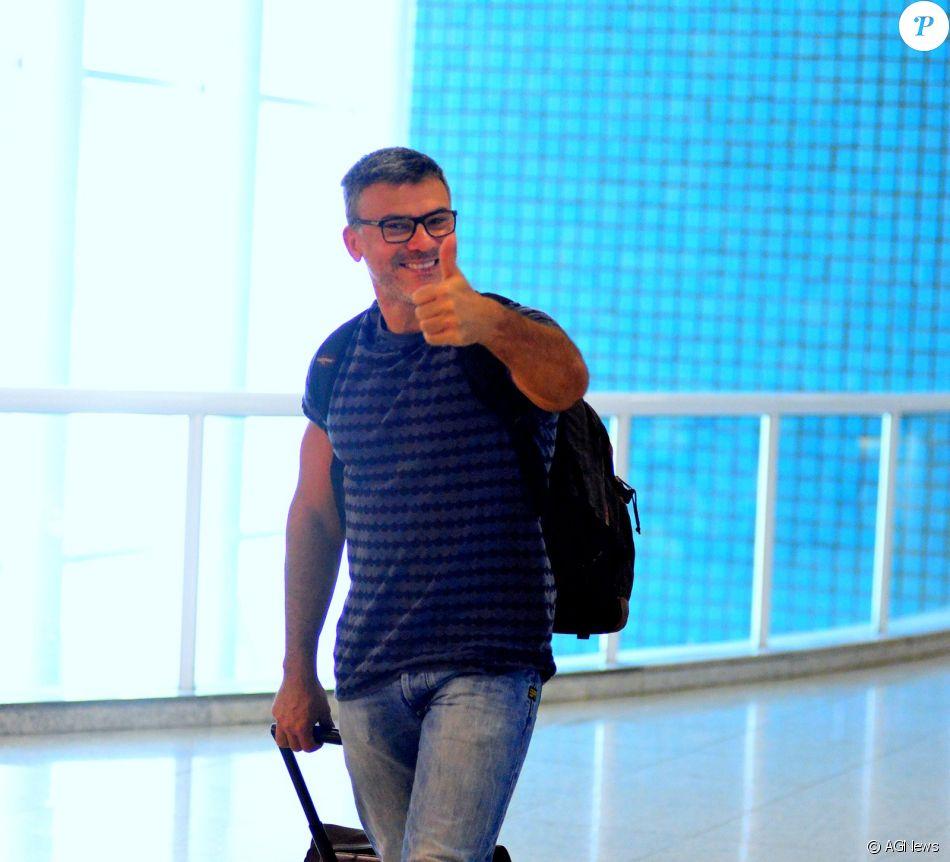 Leonardo Vieira é apoiado pelo pai após ataques homofóbicos, como mostrou em postagem na última terça-feira, dia 10 de janeiro de 2017