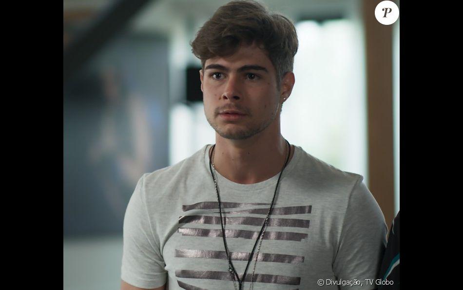 Léo (Rafael Vitti) descobre as falcatruas de Lázaro (João Vicente de Castro) para separá-lo de Diana (Alinne Moraes), na novela 'Rock Story', em janeiro de 2017