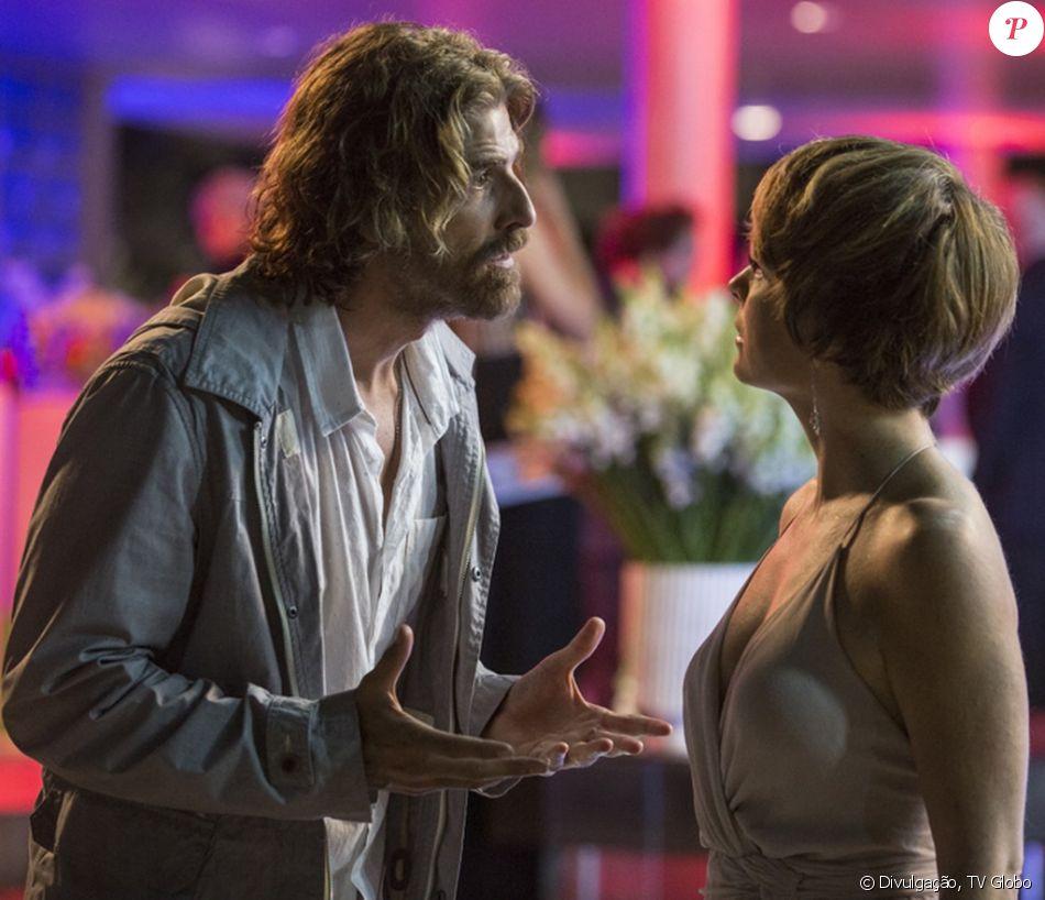 Helô (Claudia Abreu) confronta Pedro (Reynaldo Gianecchini) por ciúmes da cumplicidade dele com Laura (Heloisa Jorge), depois de conhecê-la, nos próximos capítulos da novela 'A Lei do Amor', em janeiro de 2017