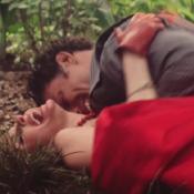 Bárbara Evans faz sexo no mato com Cauã Reymond em sua estreia em 'Dois Irmãos'