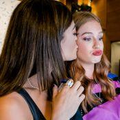 Marina Ruy Barbosa ganha beijo de Juliana Paes em coquetel beneficente. Fotos!