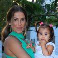 Maria Flor, filha de Deborah Secco, foi vítima de ataque na web. 'As providências foram tomadas. Foi dada parte na Polícia sobre o acontecido', afirmou a assessoria de imprensa da atriz ao Purepeople, nesta segunda-feira, 16 de janeiro de 2017