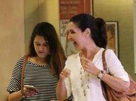 Fátima Bernardes passeia com filha por shopping em sua última semana de férias