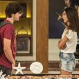 Zac (Nicolas Prattes) dispensa Yasmin (Marina Moschen) após beijo, na novela 'Rock Story', em 26 de janeiro de 2017