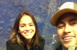 Bruna Marquezine posa com Neymar e Davi Lucca em Barcelona: 'Cineminha'
