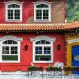 A fachada da casa do 'BBB17' também sofreu mudanças e está colorida