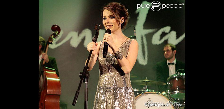 Sandy está com uma música na trilha sonora de 'Em Família', nova novela de Manoel Carlos