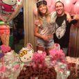 Sabrina Sato completa 33 anos e ganha festa surpresa de aniversário dos amigos com o tema da Hello Kitty, em 3 de janeiro de 2014