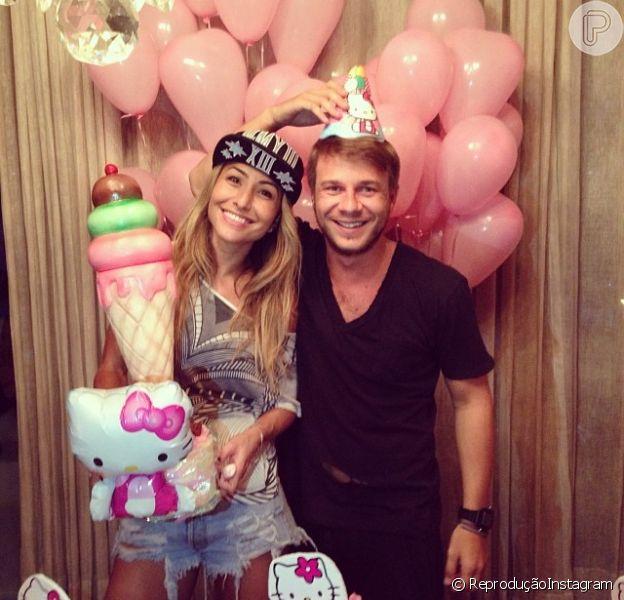Sabrina Sato comemora aniversário de 33 anos com amigo Thiago Fortes