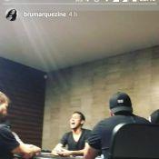 Neymar é flagrado por Bruna Marquezine cantando pagode: 'Se chama amor'. Vídeo!
