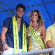 Noivo de Nicole Bahls, Marcelo Bimbi foi o rei do bloco