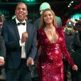 Beyoncé usou um vestido   vermelho assinado por Peter Dundas na 59ª edição do Grammy Awards, em Los Angeles, Estados Unidos, neste domingo, 12 de fevereiro de 2017