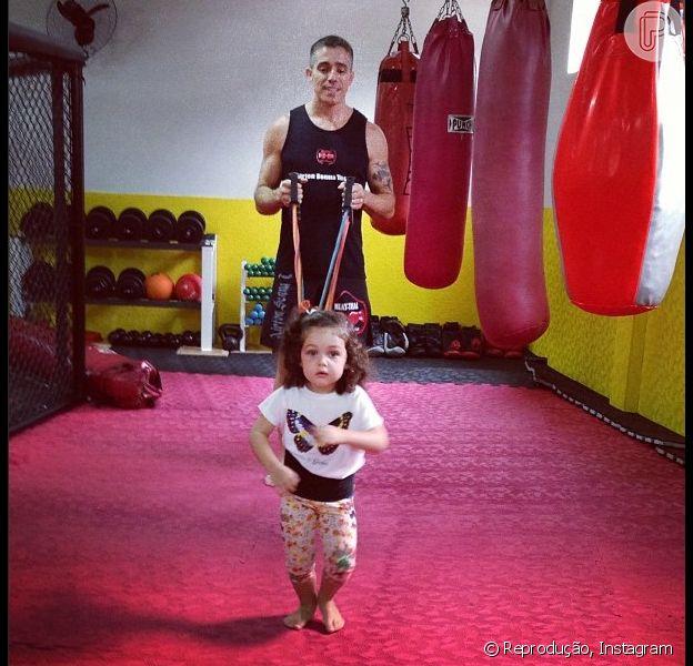 Tânia Mara posta foto da filha, Maysa, praticandomuay thai, em 11 de janeiro de 2013