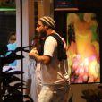 Thiago Lacerda é clicado em lanchonete no Leblon, Rio de Janeiro