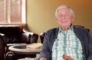 Ralph Waite, famoso na série 'Os Waltons', morre aos 86 anos nos EUA