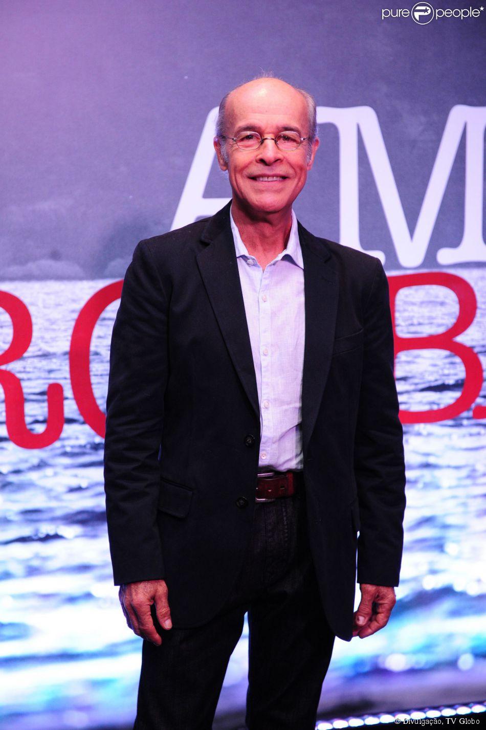 Osmar Prado vai estrelar um musical em outubro. A informação é do colunista Bruno Astuto, da revista 'Época' (22 de fevereiro de 2014)