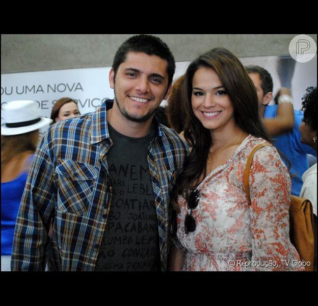 André e Luiza terminam o relacionamento após o jovem ter uma crise de ciúmes ao ver a namorada dançando com Laerte
