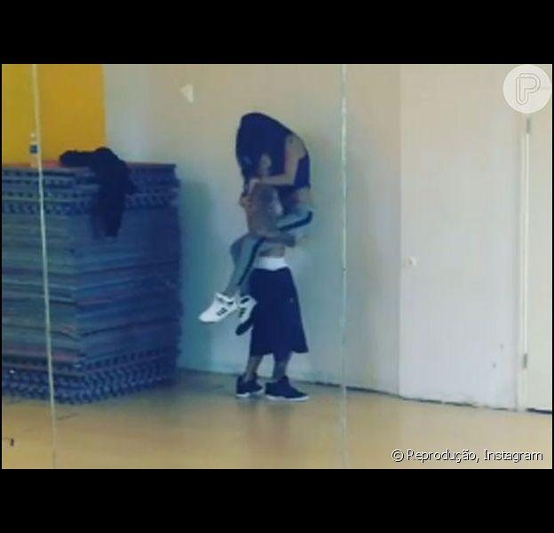 Justin Bieber e Selena Gomez ensaiam coreografia sensual com a música 'Ordinary People', de John Legend, em 11 de março de 2014