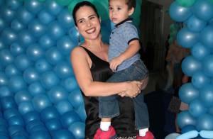 Wanessa, grávida de 6 meses, leva filho à festa de 4 anos das filhas de Luciano