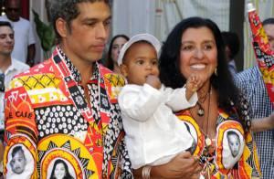 Regina Casé batiza o filho caçula em cerimônia ecumênica no Rio. Veja fotos