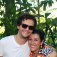 Wagner moura com Regina Casé no batizado na Roque, filho caçula de 8 meses da apresentadora, em Mangaratiba, no Rio de Janeiro, no sábado, 15 de março de 2014