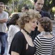 A atriz Íris Brüzzi foi uma das primeiras a chegar à missa de Marcos Paulo