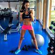Izabel Goulart mantém rotina de exercícios físicos
