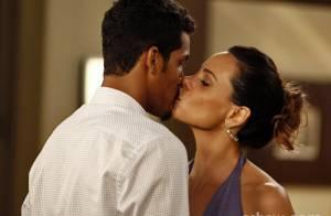 'Em Família': Juliana recebe surpresa durante seu casamento com Jairo