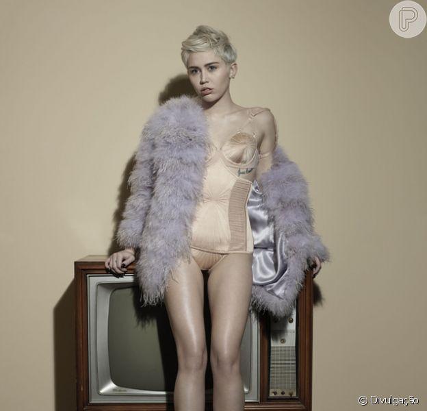 Miley Cyrus faa sobre término de noivado com Liam Hemsworth: 'Estou bem'