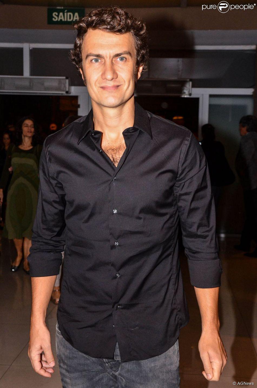 Gabriel Braga Nunes é cotado para atuar na próxima novela de Gilberto Braga na TV Globo. A informação é do jornal 'O Globo' (11 de abril de 2014)