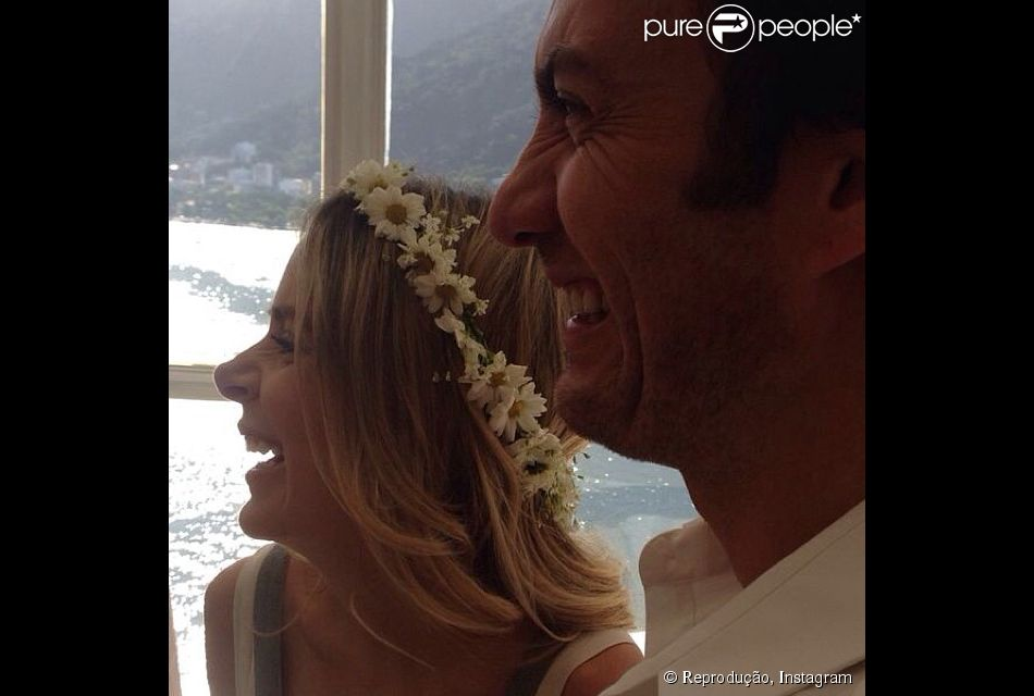 Gabriel Braga Nunes e Isabel Nascimento Silva se casam em cerimônia reservada no Rio (11 de abril de 2014)