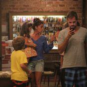 Giovanna Antonelli janta com o marido, Leonardo Nogueira, e os filhos no Rio
