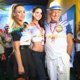 O casal posou para foto no carnaval ao lado da atriz Suzana Pires