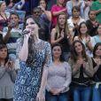 Mariana Rios usa vestido de Lethicia Bronstein no programa 'Altas Horas'