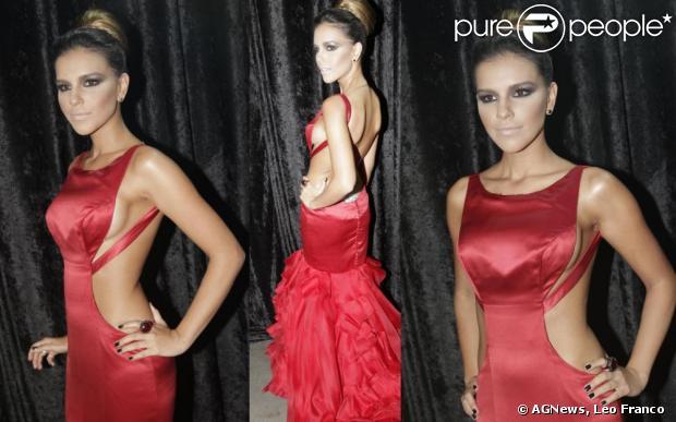Mariana Rios foi a sensação do Baile de Carnaval da Vogue, com um vestido de Lethicia Bronstein, em 24 de janeiro de 2013