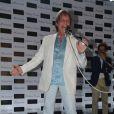 O cantor também esclareceu que não é contra as biografias não-autorizadas