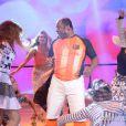 Aílton Graça mostrou seu carisma ao cantar e dançar a música 'Vem com tudo'