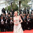 Nadja Auermann veste Dolce & Gabbana na cerimônia de abertura do Festival de Cannes 2014