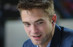 Robert Pattinson e Ryan Gosling participam de talk show francês em Cannes 2014
