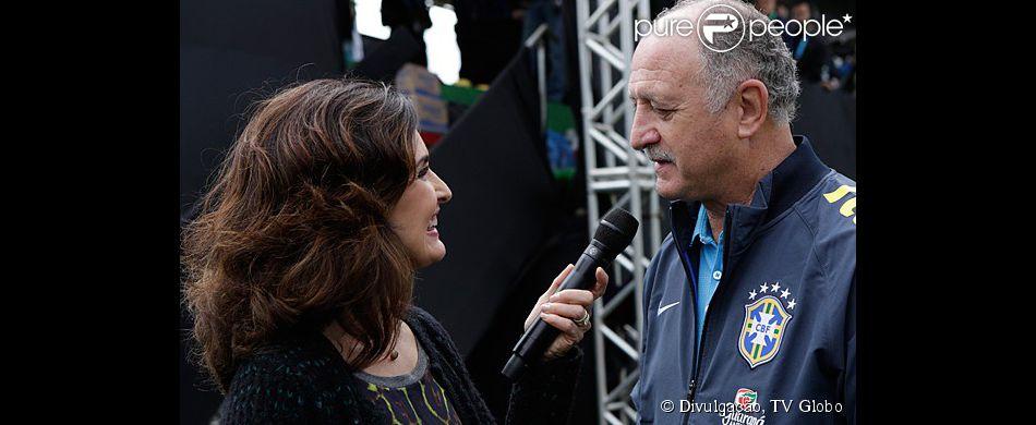 Fátima Bernardes entrevista Luiz Felipe Scolari em Terosópolis, no Rio, onde a seleção brasileira de futebol se apresenta para a Copa do Mundo de 2014