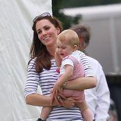 Príncipe George chora e puxa a calça de Kate Middleton em jogo de polo
