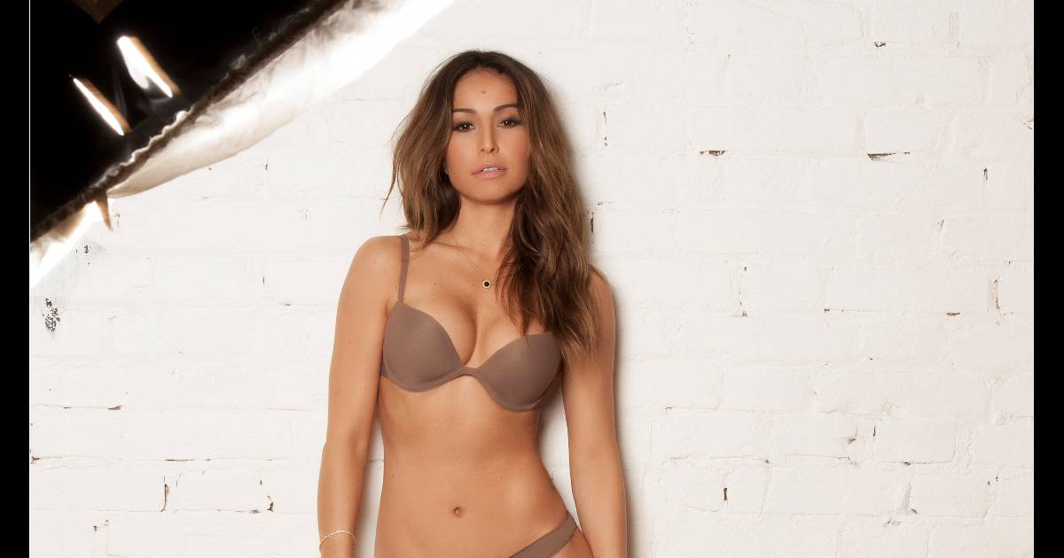 d0318f17f Sabrina Sato mostra curvas em ensaio de lingerie   Ela tem um grande poder   - Purepeople