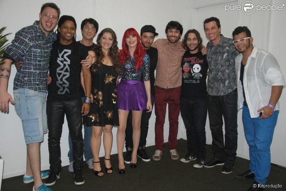 Eliminadas do 'SuperStar', as bandas Bicho de Pé e Move Over participaram do show de Ivete Sangalo neste domingo, 6 de julho de 2014, na Marina da Glória, no Rio