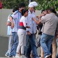 Argentinos tietaram Ashton Kutcher durante a gravação do 'Caldeirão do Huck'